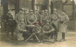 WW WESTERHOLT. Groupe De Militaires à La Gare Avec Mitrailleuse. Photo Carte Postale Atelier Walter 1923 - Herten