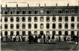 77 COULOMMIERS La Caserne Grosse Animation - Coulommiers