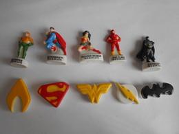 LOT 10 Fèves Série Complète League Des Justiciers 2017 Batman Flash Superman Fève - Cartoons