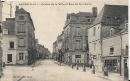 Carte Postale Ancienne De Baugé Centre De La Ville Et La Rue Du Roi -rené - France