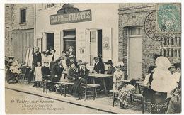 St Valéry Sur Somme L' Heure De L' Aperitif Au Café Chivot Bellegueule Café Des Pilotes Biere Croix De Lorraine - Saint Valery Sur Somme