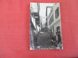 Bellagio  Serbelloni  Italy > Lombardia > Como  Some Paper Flacking  Ref 3051 - Como