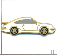 Pin's Automobile - Porsche 911 - Version Blanche. Estampillé Made In France. Zamac. T617-11 - Porsche