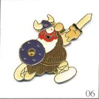 "Pin's BD Strip USA / ""Hägar Dünor"" Le Viking (Dessin-Scénario Dik Browne). Est. Illisible. Epoxy. T617-06 - BD"
