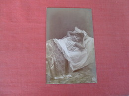 RPPC Female In Bed -------- Ref 3052 - Fashion
