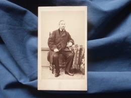 Photo CDV  Autin & Lacroix Au Havre  Homme Barbu Assis (Mr Gillot Père De Mme Bastinot)  Sec. Empire - CA 1865 - L38 - Oud (voor 1900)