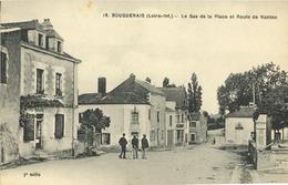 44 - Bouguenais - Le Bas De La Place Et Route De Nantes - Bouguenais