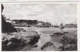 DOUARNENEZ (TREBOUL) : Entrée Du  Port Vers 1935 - Douarnenez
