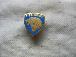 Espece D'epinglette, Ancienne Embleme Des Automobiles PEUGEOT, Lion - Peugeot