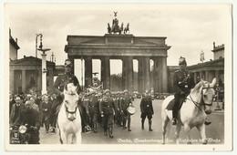Germany Reich Berlin , Brandenburger Tor Military Parade, Ausziehen ... , Old Postcard Allemagne - Weltkrieg 1939-45