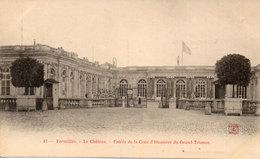 VERSAILLES -Entrée De La Cour D' Honneur Du Grand Trianon (109473) - Versailles (Château)