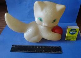 VTG Vintage USSR Soviet Plastic Toy CAT Kitten With Ball Soviet Union Toys Marked - Katten