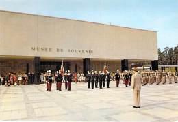 MILITARIA Ecoles - 56 - ST CYR COËTQUIDAN : La Nouvelle Ecole - Drapeaux Et Musée ... CPSM CPM GF - Morbihan - Militaria