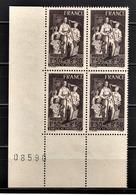 FRANCE 1943 - Y.T. N° 585 / BLOC DE 4 TP COIN DE FEUILLE / NEUFS** - Unused Stamps