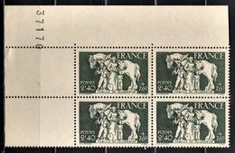 FRANCE 1943 - Y.T. N° 586 / BLOC DE 4 TP COIN DE FEUILLE / NEUFS** - Unused Stamps