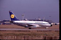 SLIDE / AVION / AIRCRAFT   KODAK  ORIGINAL  LUFTHANSA  B 737  D-ABEO - Diapositives (slides)