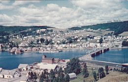 Cp , CANADA , GASPÉ , Vue Pittoresque De La Ville, Prise De L'autre Côté De La Baie - Gaspé