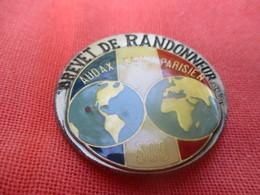 Insigne De Sport  à épingle/ Cyclisme/  Audax Club Parisien/Brevet De RANDONNEUR/300 Km/BeraudyVers 1980         SPO307 - Cyclisme