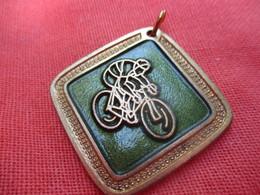 Médaille De Sport De Sport  / Cyclisme / MALEMORT/ Corréze/ 1984      SPO311 - Cyclisme