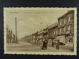 Haine-Saint-Pierre La Chaussée Près Du Passage à Niveau De La Gare - La Louvière