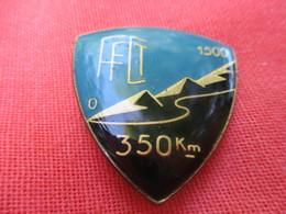Insigne Sport à épingle/Cyclisme/Fédération Française Cyclotourisme/1500 M  /350 Km/ Beraudy Ambert/ Vers 1980   SPO317 - Cyclisme