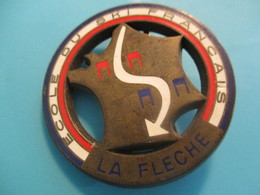 Insigne Sport à épingle/SKI/ Ecole Du Ski Français/ LA FLECHE /Vers 1970-80   SPO329 - Winter Sports