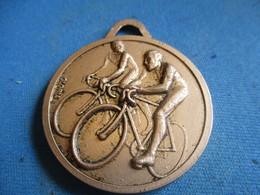 Médaille De Sport/Cyclisme / Boucles Du Pays De Brive /C.S.R.O./BRIVE/ Corrèze/ Gloria/Vers 1970-80       SPO335 - Cyclisme
