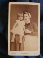 Photo CDV Chambay à Paris - Jeune Enfant (Alfred Henry) Et Sa Nourrice,  Datée 1882 L389F - Photos