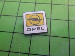 818c Pin's Pins / Rare Et De Belle Qualité / THEME AUTOMOBILES / LOGO DE LA MARQUE OPEL - Opel