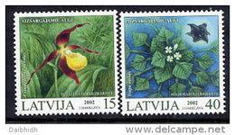 LATVIA 2002  Protected Plants Set Of 2 MNH / **.  Michel 569-70 - Latvia