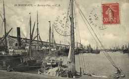 BORDEAUX  Bassin à Flot Bateaux RV - Bordeaux