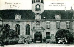 N°64330 -cpa Vitry Le François -cour Intérieure De L'hôpital- - Vitry-le-François