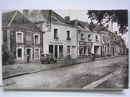 72 - NOGENT LE BERNARD - LE CENTRE - ANIMEE - AUTOMOBILE - HOTEL ST JACQUES - ETAT NEUF - Autres Communes