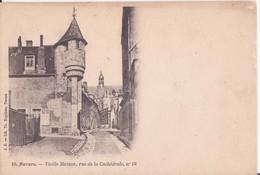 CPA - 18. NEVERS Vieille Maison Rue De La Cathédrale - Nevers