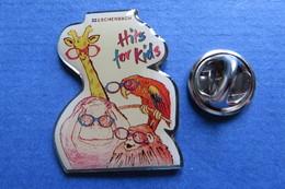 Pin's,HITS FOR KIDS, Radio Eschenbach,Perroquet,Giraffe,Hippo,Orang Utan,Papagei,Lunettes - Animaux