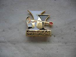 Pin's De La Verrerie D'art De SOISY Sur Ecole - Associations