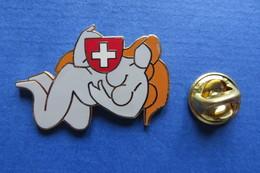 Pin's,HELVETIA PIN-UP Suisse, Blason, Limite - Pin-ups