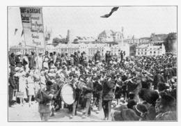 ANGERS 1933 Congrès Eucharistique  La Musique Du Collège De Combrée Sur Le Pont De La Basse Chaîne - Non Classés