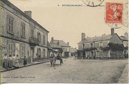 HENRICHEMONT  Place De La Mairie - Henrichemont