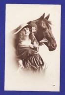 Cheval Et Jolie Femme ( 1 PETITE CORNURE TRES LEGERE SINON Très Très Bon état) 3108 - Femmes