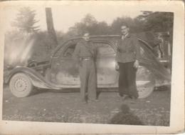 Photo 90 Mm  X 63 Mm Années 30 - Automobile Voiture Gazogène - Résistants 1944 - Scan R/V - Personnes Anonymes