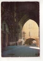CP 10*15-WY1493-VILLEFRANCHE DE ROUERGUE ENTREE DE LA COLEGIALE ET LES ARCADES 1987 - Villefranche De Rouergue