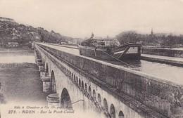 47. AGEN. CPA. PÉNICHE SUR LE PONT CANAL.. ANNÉE 1929 - Agen