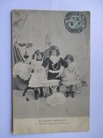 Cpa 1905 De La Série Les Petits Indiscrets  - N° 5  (Avec Défaut Semelle Décollée Et Pli Partiel) - Groupes D'enfants & Familles