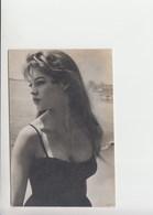 Carte Photo 1965 - BARDOT Brigitte Pin Up - Édition Yougoslave (fi003) - Artistes