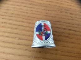 """Dé à Coudre Métal """"REPUBLICA DOMINICANA"""" (drapeau, Blason, République Dominicaine) - Dés à Coudre"""