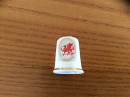 """Dé à Coudre Porcelaine """"HASKINS """" Pays De Galles (emblème, Dragon) - Thimbles"""