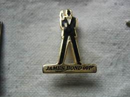 Pin's Du Célebre James BOND 007 - Celebrities