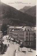 Carte Postale De Cauterets La Place De L'hotel De Ville   Pas Circulé - Cauterets
