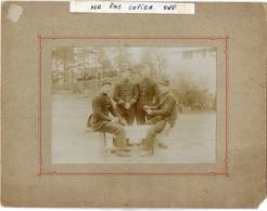 MILITARIA - Grande Photo -  Soldats Du 155éme Régiment D'Infanterie  Jouant Aux Cartes - Guerre, Militaire